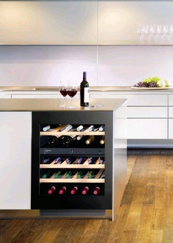 liebherr uwt 1682 vinidor weintemperierschrank f r 34 flaschen 2 zonen 5 20 c. Black Bedroom Furniture Sets. Home Design Ideas